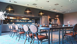 De Molenhoek zaal with bar in cabaretopstelling for meetings and events