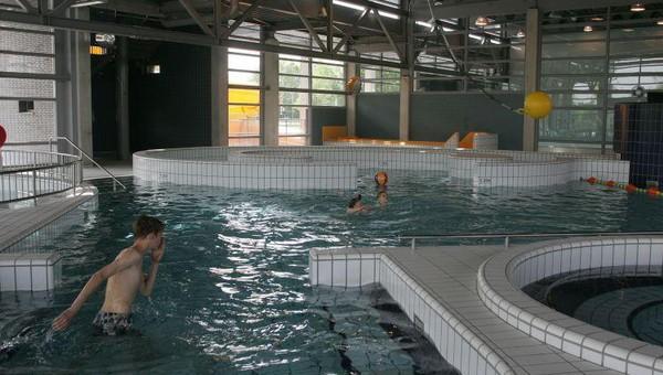 Zwembad de vallei van der valk hotel veenendaal