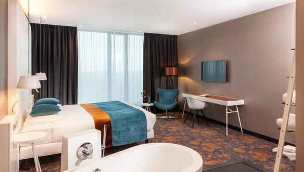 Slaapkamer Als Hotelkamer : Superior hotelkamer bubbelbad van der valk hotel veenendaal